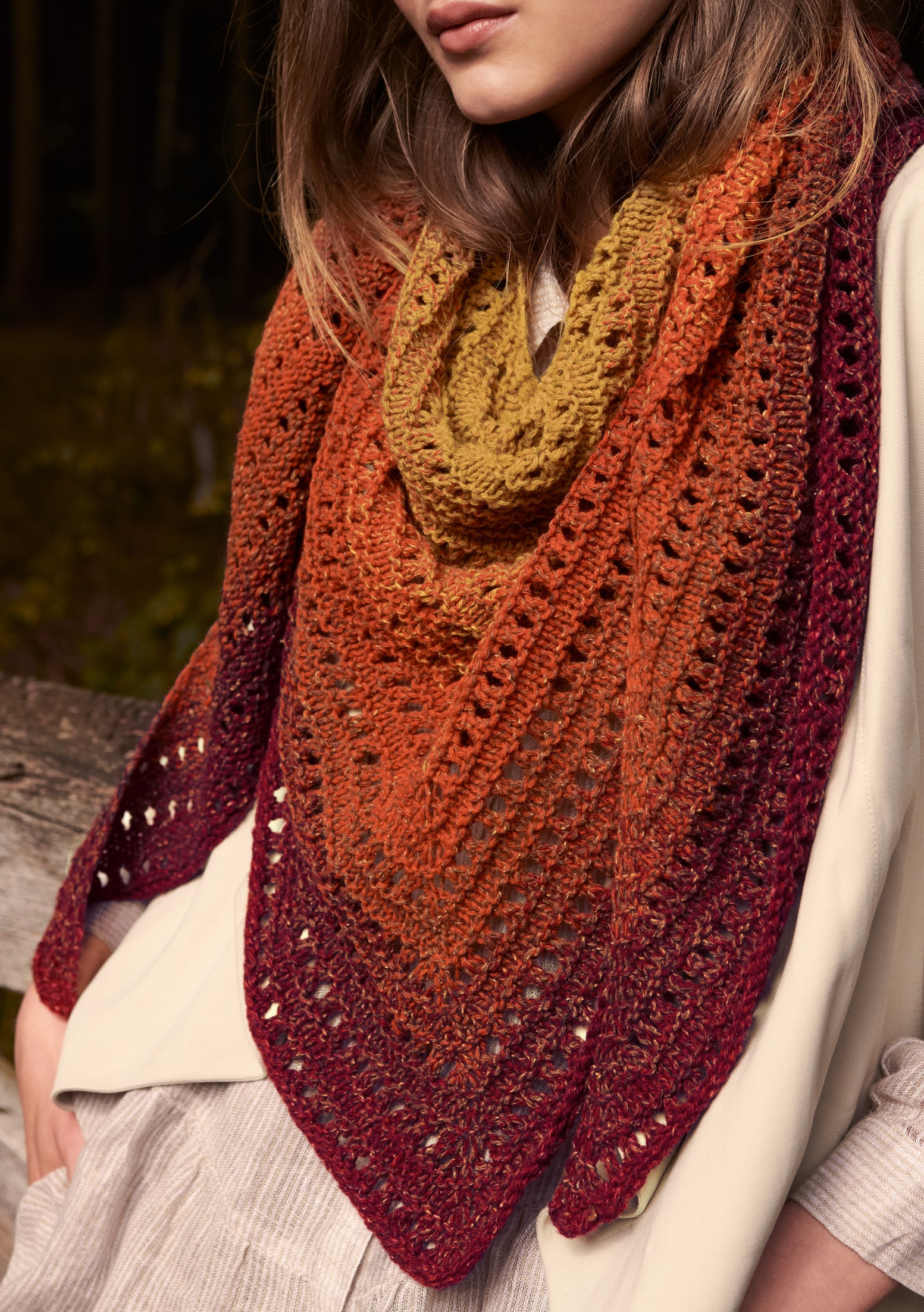 Driehoeksjaal van Shades of Tweed